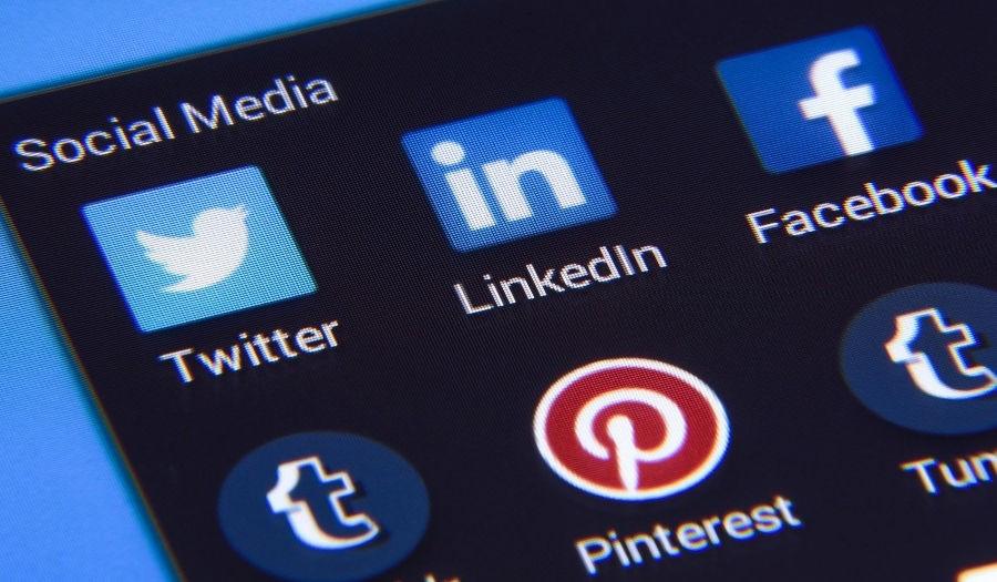 Czy media społecznościowe mają wpływ na pozycjonowanie strony?