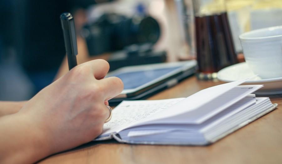 Czy warto zlecić pisanie tekstów copywriterowi?
